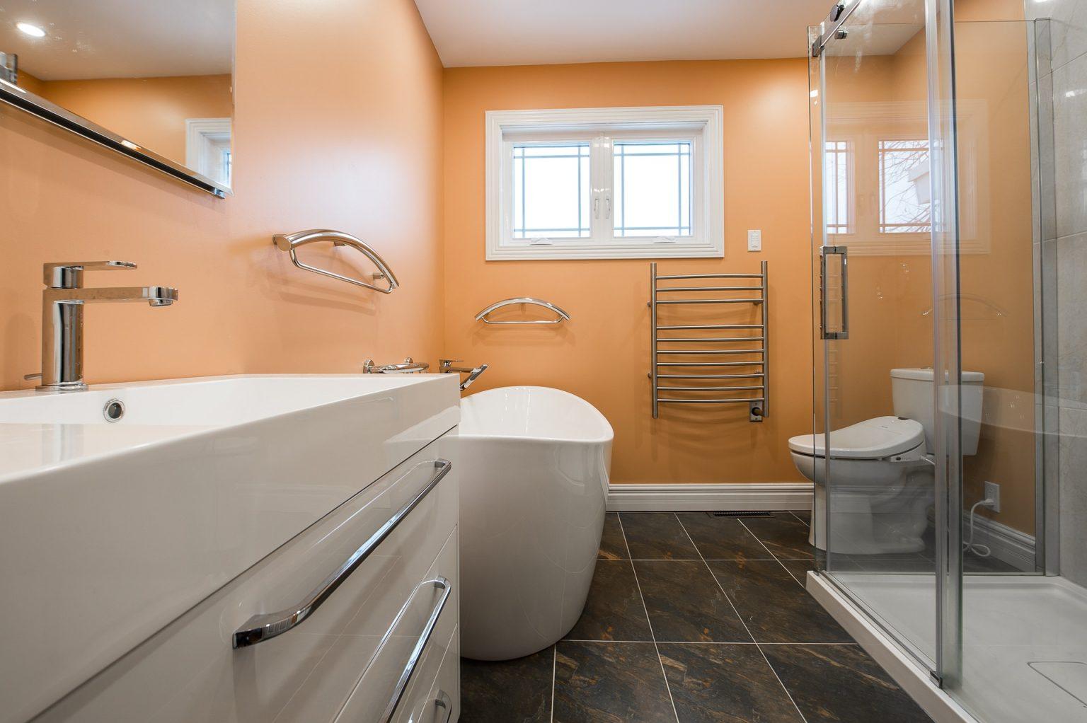 bathroom-2718919_1920